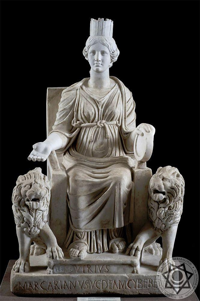 Imagem da deusa Cibele representada com sua coroa e um par de leões. Fonte: Pinterest.com